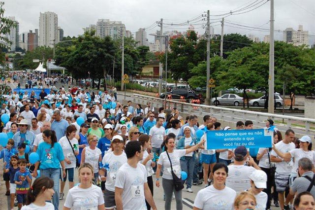 _0001_2011_caminhada_aer